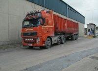 ciężarówka z naczepą