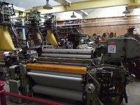 maszyny przemysłowe w fabryce